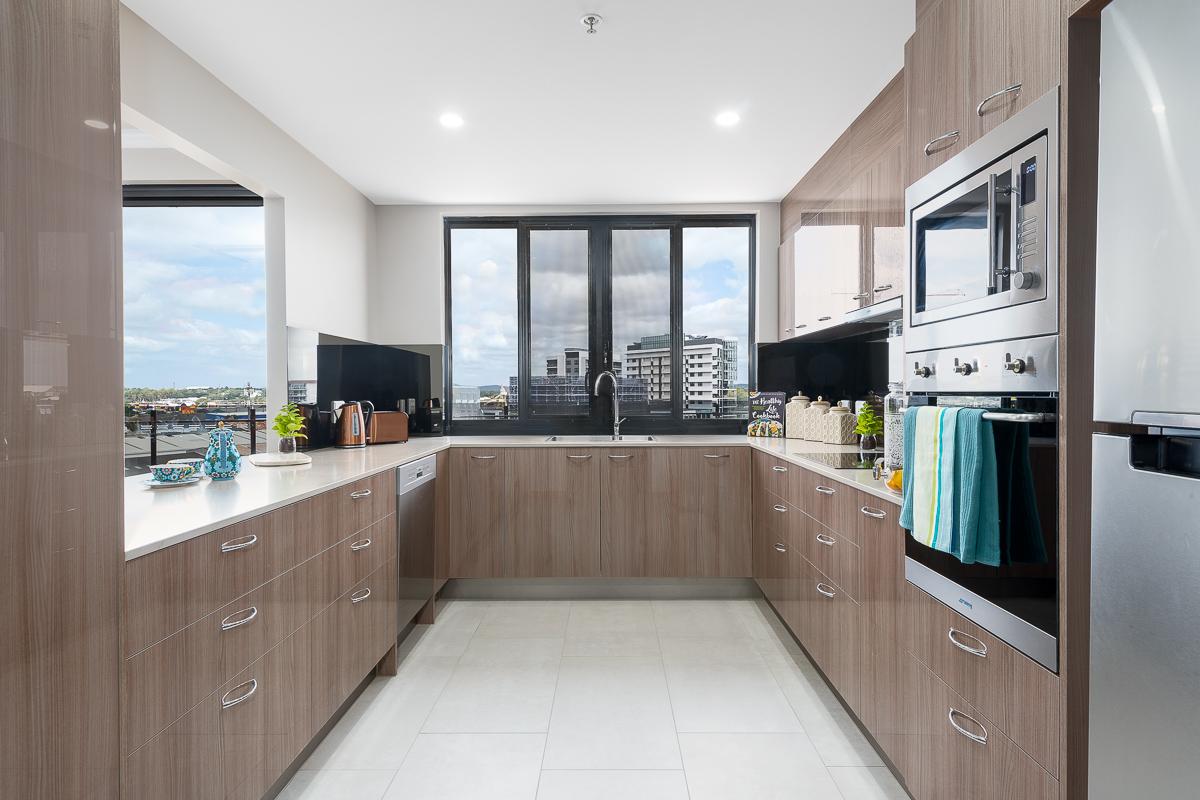 Portofinio-penthouse-kitchen